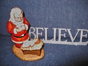 santa-praying-believe