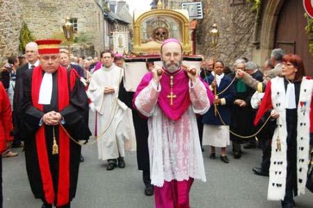 French Roman Catholics Parade the Skull of a Saint